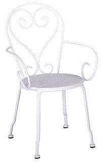 Chaise de jardin blanche en fer forgé