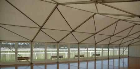 Chapiteau avec parquet 150m2-10x15m