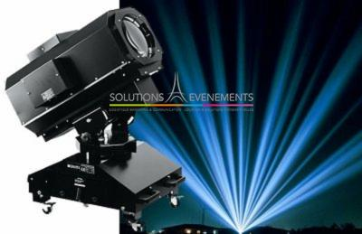 Sky tracer - Projecteur multifaisceaux