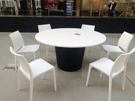 Table Conic O Blanche - Plateau Blanc