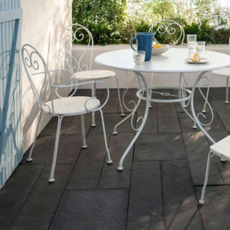Table de jardin blanche en fer forgé