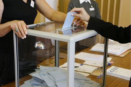 Urne de vote réglementaire